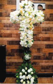 MIXED WHITE CROSS WITH LEMON LEAF