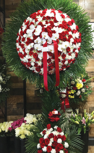 RED & WHITE ASSORTED WREATH WITH ORCHIDS