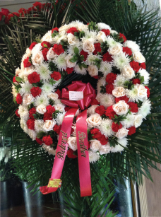 WHITE AND RED ASSORTED WREATH